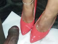Handjob and cum on heels