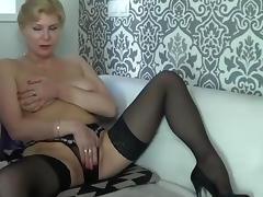 mature stockings cam show