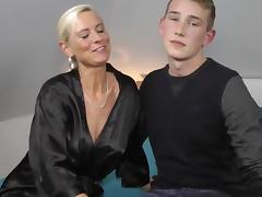 Milf fucks a realy junior boy