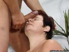 Horny mature housewife goes crazy part2 porn video