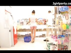 Hot Japanese Babe Fondled In The Convenience Store