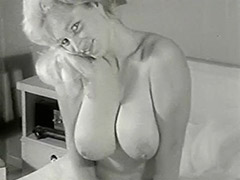 Smiley Naked Cunt Posing in Her Bedroom 1950 porn video