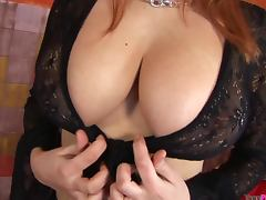 Enormous naturals on beauty