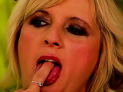 Shaved Pussy, Blowjob, Cougar, Doggystyle, Facial, Lick
