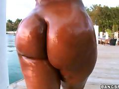 Ebony Cutie Gizelle Has a Gigantic Chocolate Ass That Gets Oiled