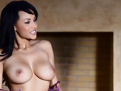 Sweet Kylie Johnson shows her tempting boobs