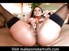 mariah milano opens that pussy up