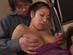 Asian wet pussy getting licked and fingered in 3some