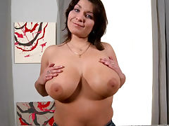 Sophia Moroe showing her giant natural boobies
