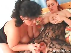 BBW lesbian in pantyhose gets peachy twat dildoed