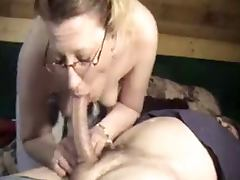 Sexy Wife Gives Good Head