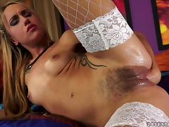 Amazingly hot Leyla Black toys and fists her hairy pussy