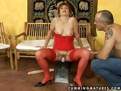 Dike gets her elderly pussy fucked with all kinds of toys