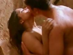 Hot Indian bombshell gets naughty with her man in the shower