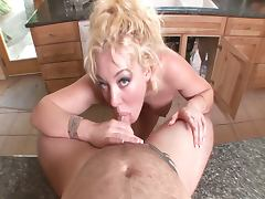 Plumper snakes brenya rose's throat