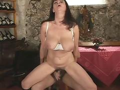 Saggy boobs - Cute mature squirt