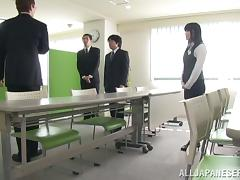 Chika Hirako the Asian office chick gives a blowjob