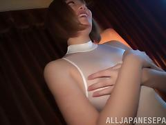 Mao Hamasaki gives a blowjob after getting her cunt toyed