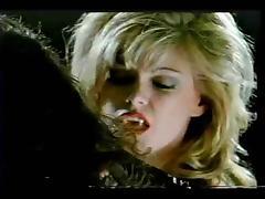LESBIANS VAMPIRE SEX