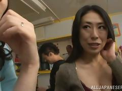 Fat Japanese MILF gets her pussy licked and fucked