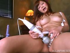 Curvaceous Satou Haruka toys her hairy vagina