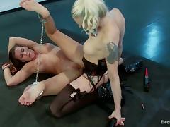 Ariel X lets Lorelei Lee slam her pussy with a strapon