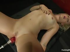 Dylan Ryan gets her pussy toyed to orgasm by a new sex machine