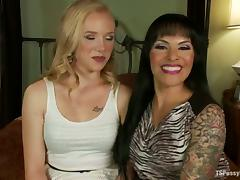 Tracey Sweet Hot Blonde Getting Fucked by Shemale TS Foxxy