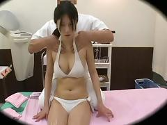 Spycam Reluctant Fashion Model climax Massage