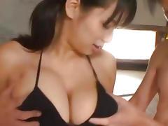 Busty babe Hana Haruna