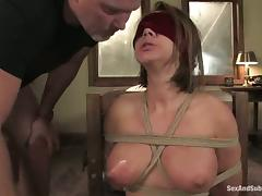 Kinky college babe gets blindfolded, bondaged and banged