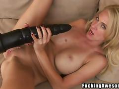 put that big black dildo in her sweet vagina porn video