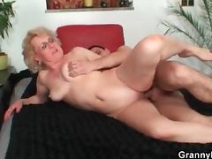Shaved mature fucked hard in her bedroom porn video
