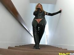 Curvy milf in sexy leather suit is fucking hard