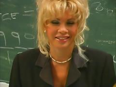 Beauty Fucking at Chemistry Class