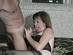 A slutty milf gets fucked by an old dude in homemade clip