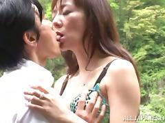 Outdoor sex right superior to before someone's skin highway with a slutty Japanese milf