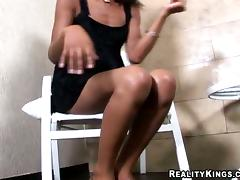 Black shemale Jenyfer shows her BBC not present increased by gets her botheration out of kilter
