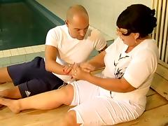 Chubby Mature Mom Seducing Fitness Trainer At Pool