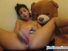 Teen masturbates and orgasm with toys on webcam
