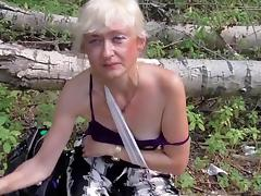 Mature woman sucks my fat chopper