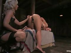 Some rough lesbian BDSM with Gianna and Isis