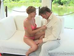 Mom xxx: Beautiful mature woman orgasms outdoors