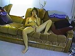 Mature and amateur lady is masturbating
