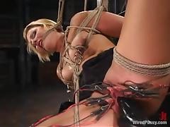 Vendetta enjoys having lots of wires on her vag in BDSM clip