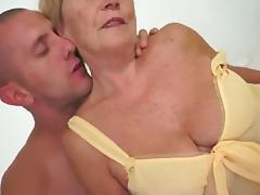 Hawt Curvy Euro Granny Banging