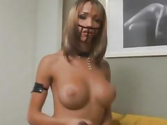 Shemale babe Leona Andrev tugging on her penis