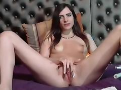 Fingering my snatch on a webcam