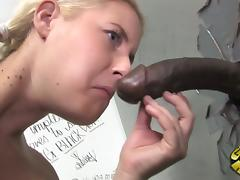 Spectacular Amatuer Cindee Gets A Facial Cumshot In A Toilet