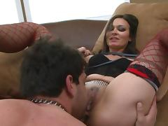 Crissy Moon fucks hard with muscular Vince Ferelli